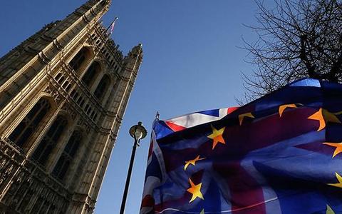 英镑受脱欧消息影响重回市场热点