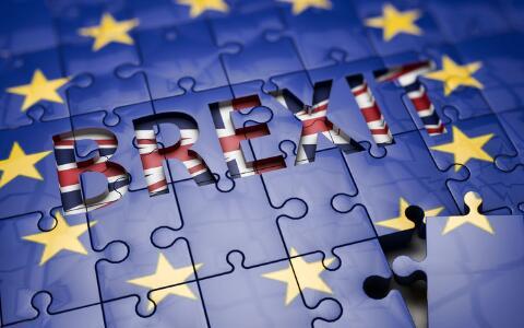 脱欧接近关键表态,双重因素制约英国经济